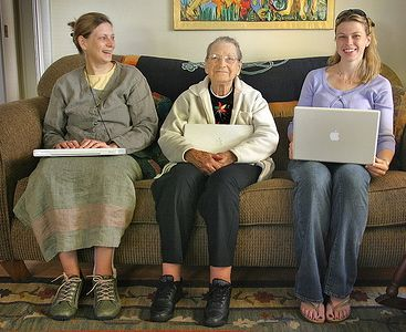 3 generations of women trust the Internet for news